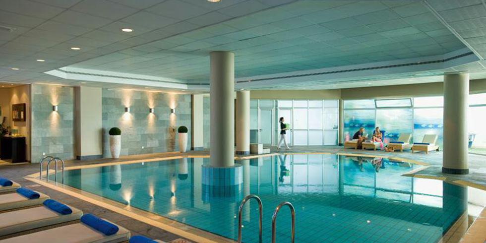 آموزش شنا در استخر منزل شما